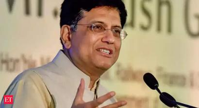 Commerce Minister reviews free trade pacts.