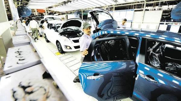 Auto industry seeks stimulus package from government.