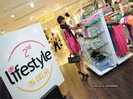 A good Lifestyle helps Apparel Company close in on total sales of 2 rivals.