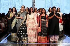 Gaurang Shah launches estore for handwoven weaves
