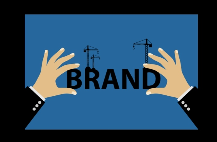 Brands, designers used to fast fashion urged to change