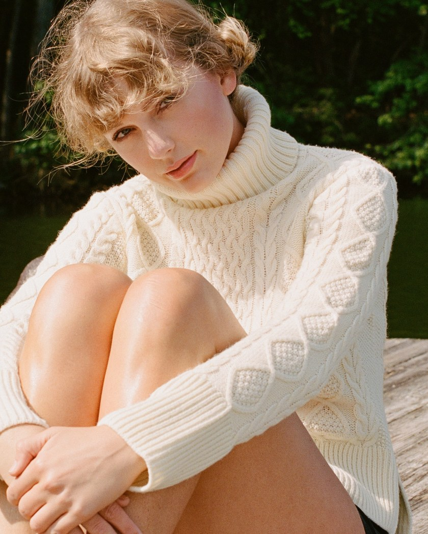 Taylor swift bringing back cardigans in style