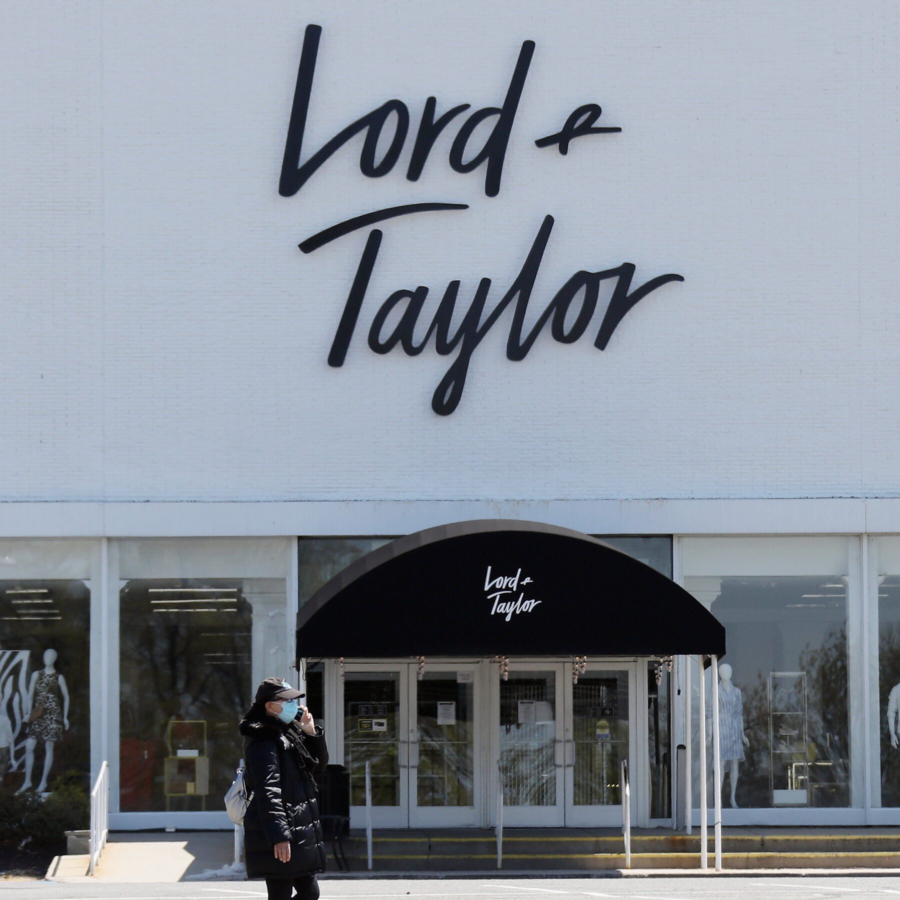 Lord & Taylor to shuts its 19 stores permanently