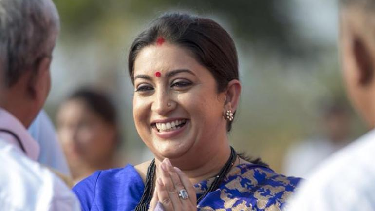 Smriti Irani asks textiles sector to 'commercialize opportunities'