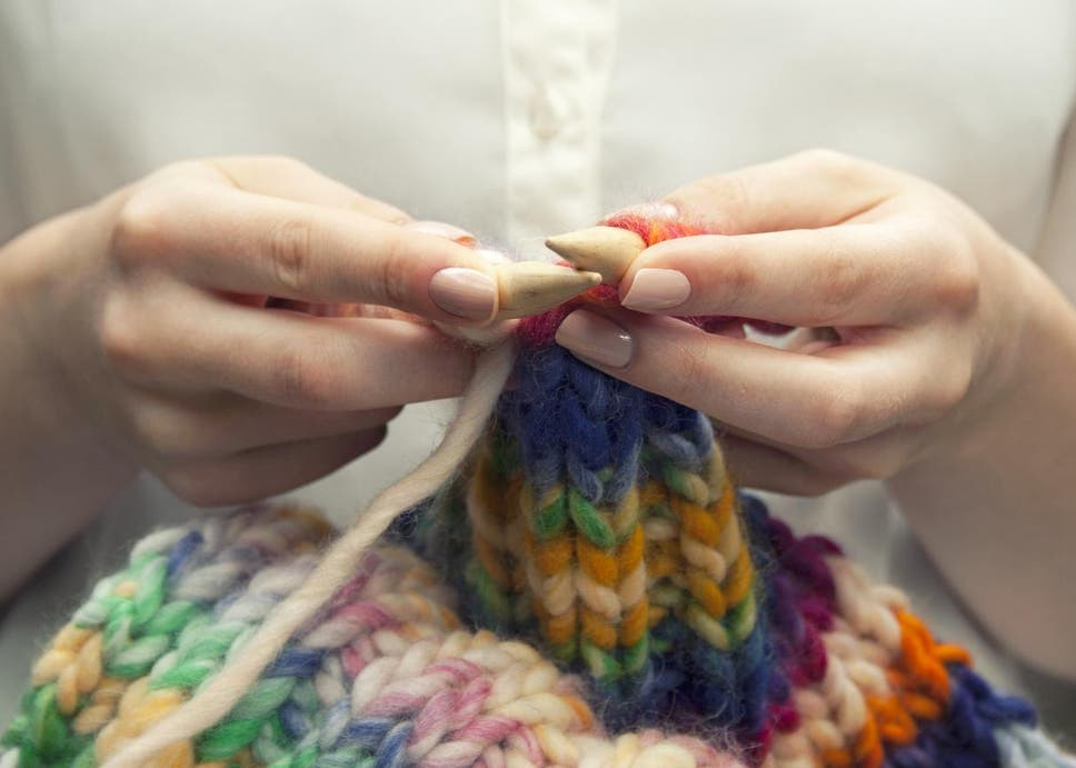 KNITTING, BAKING AND PAINTING IMPROVE WELL-BEING AND MENTAL HEALTH, STUDY FINDS