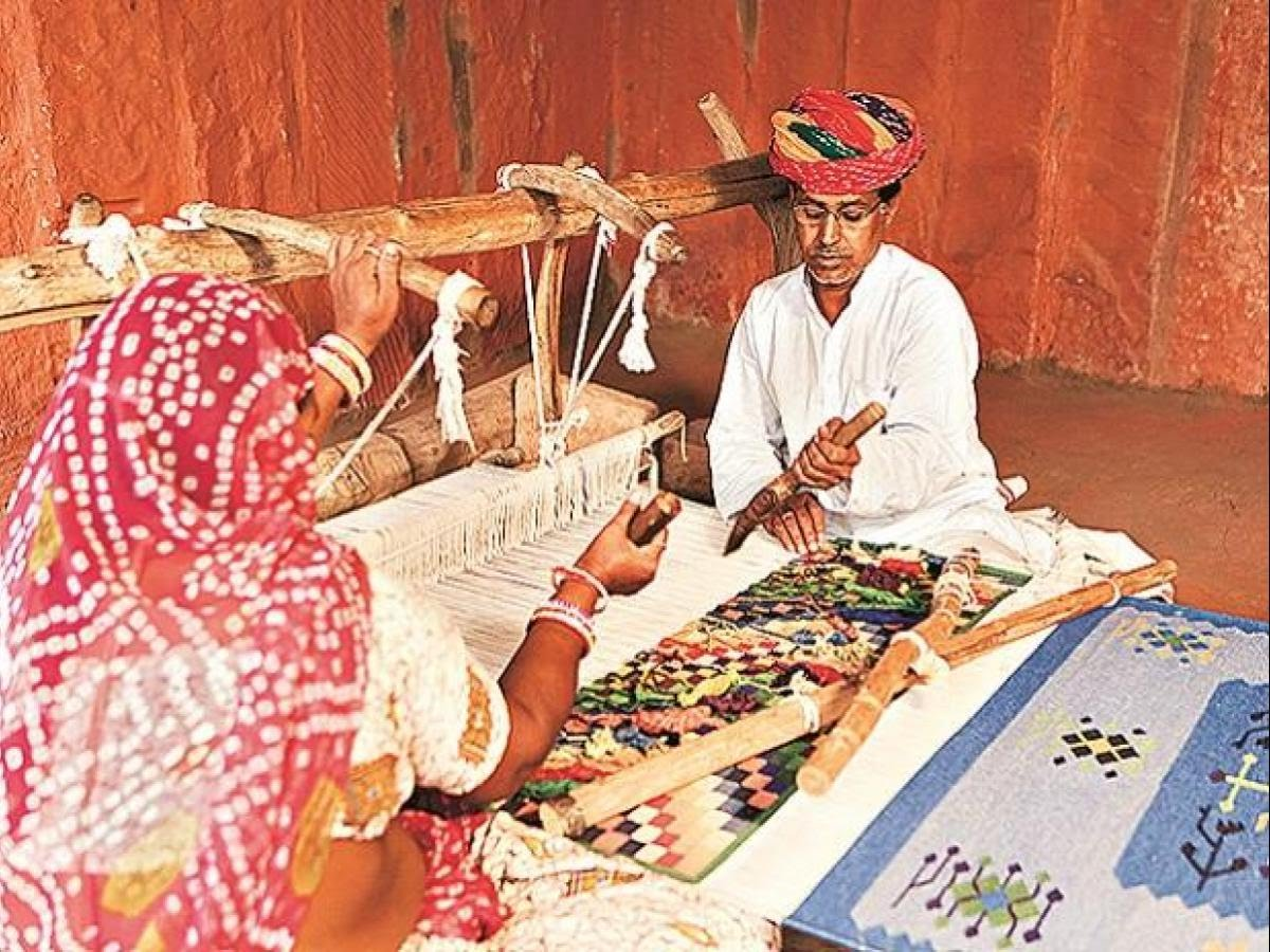 NIFT and IIP to help UP artisans design and package their products