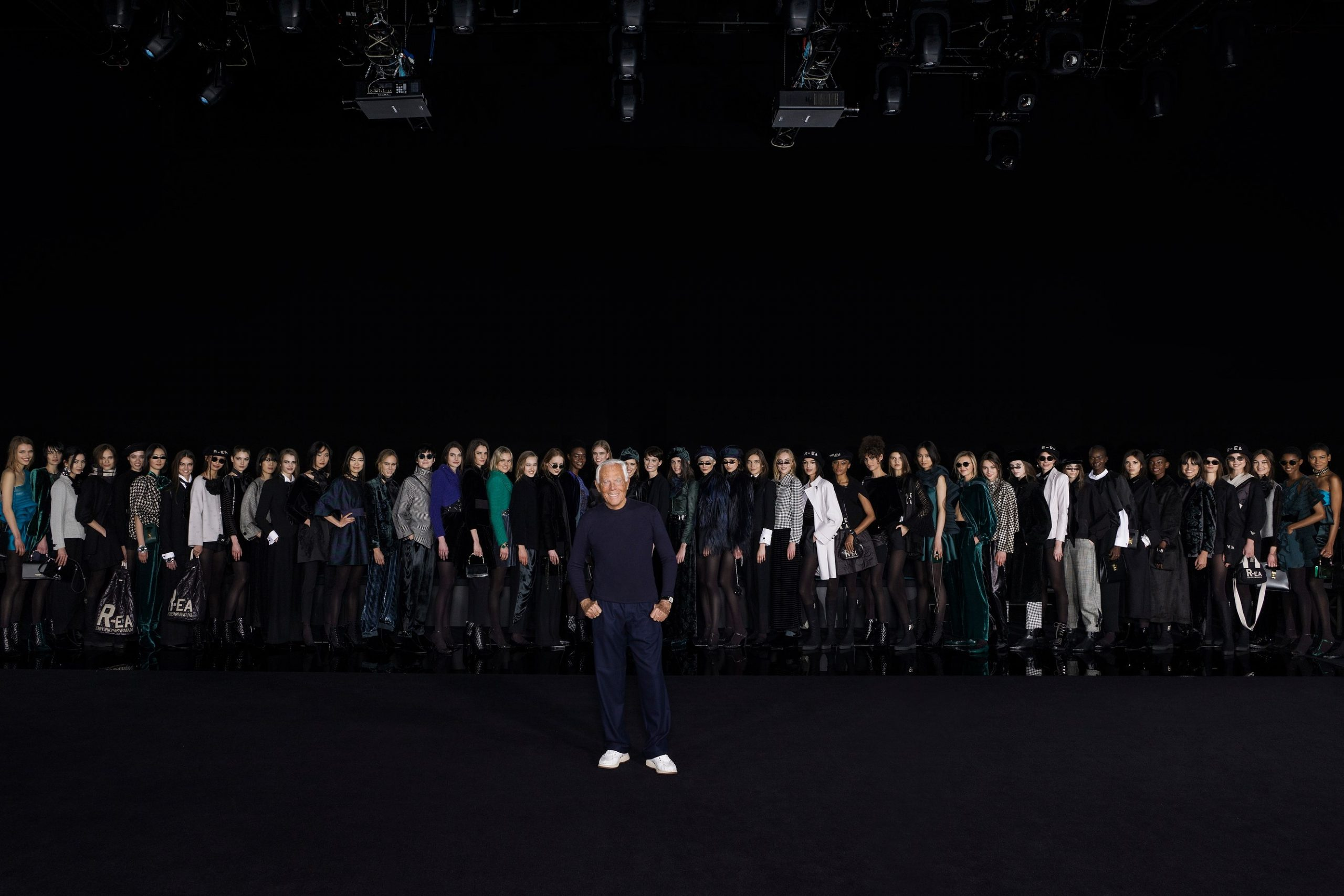 Giorgio Armani to hold fashion shows without guests