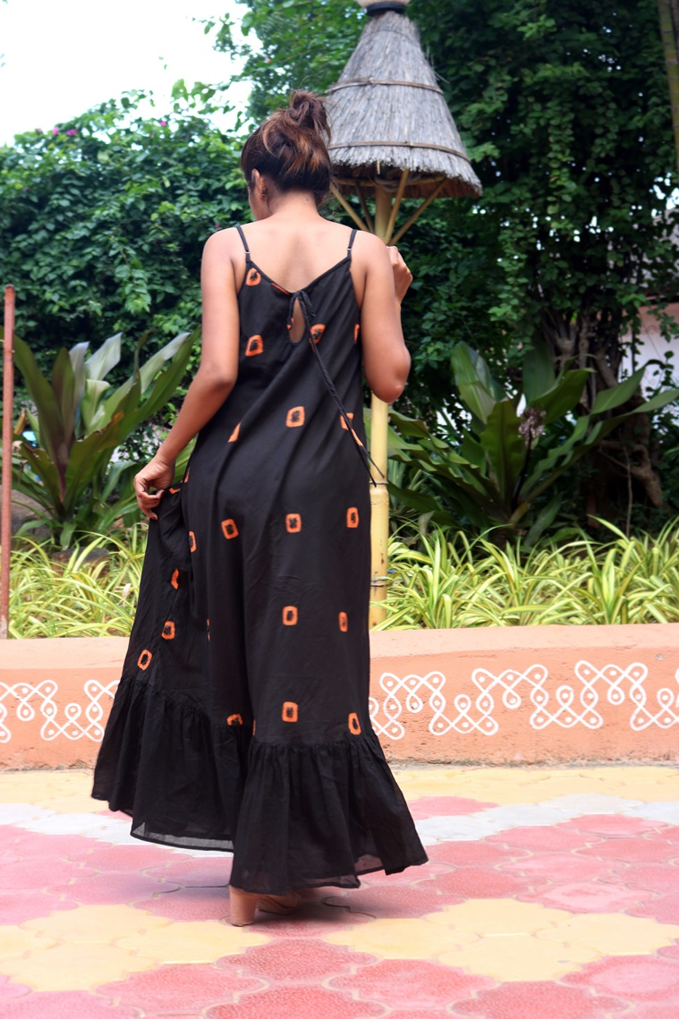 HasthaKatha is a small venture promoting handlooms and slow fashion