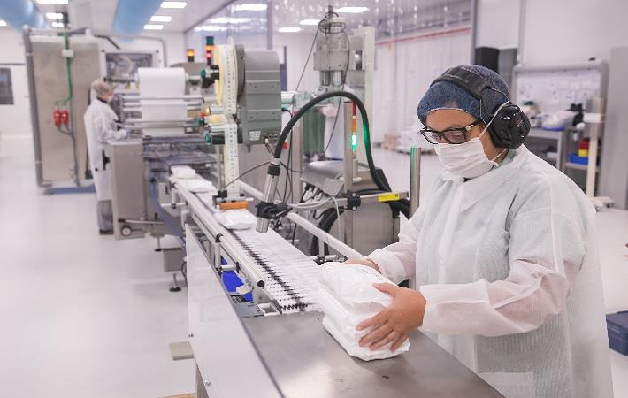 ONTEX SETS UP PRODUCTION LINE FOR 80 MN FACE MASKS/YEAR