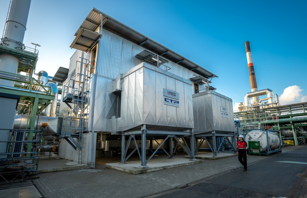 LANXESS inaugurates nitrous oxide reduction plant in Antwerp.