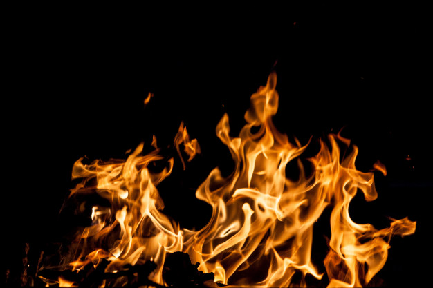Fire breaks out at Trident Ltd.' warehouse; incurs losses of Rs. 100 crore