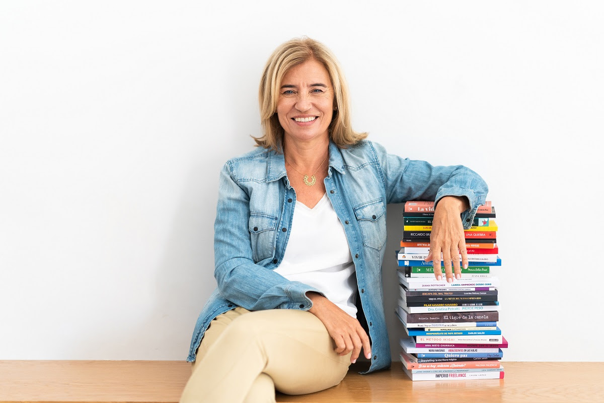 Ana Nieto Churruca, Founder Of The Triunfacontulibro.com Platform, Will Count On The White Rabbit For Her Communication Strategy