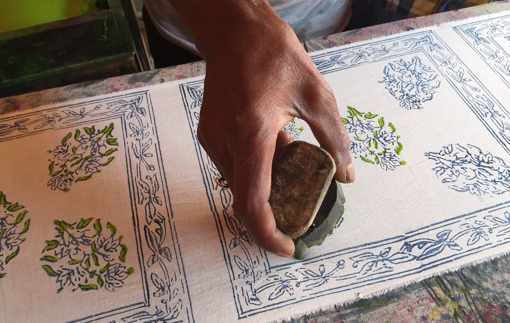 A Study of Block Printing on Cotton Fabric with Pigment of Parijataka (Nyctanthes arbor-tristis) Flowers using Guar Gum Thickener