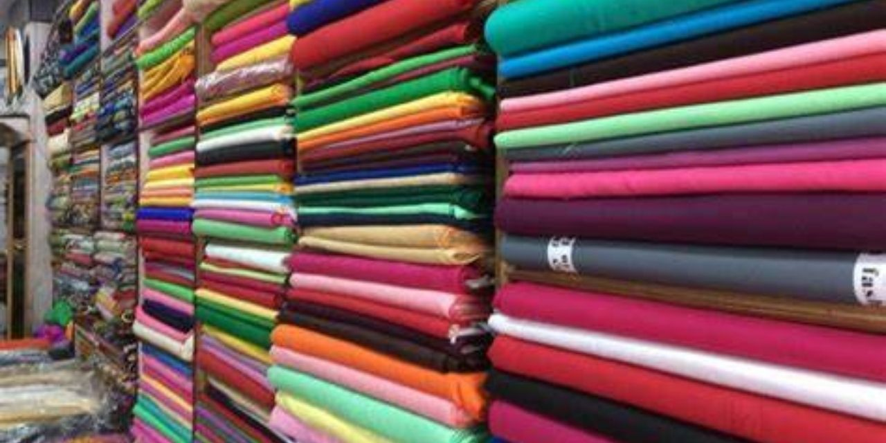 Government creating enabling conditions for growth of textile industry and handlooms in India through its various schemes/initiatives