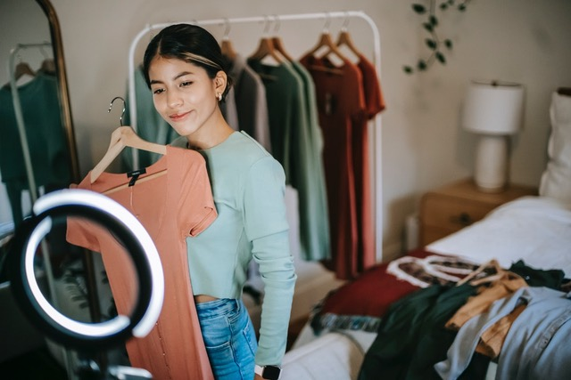 How to Become a Successful & Sponsored Fashion Influencer